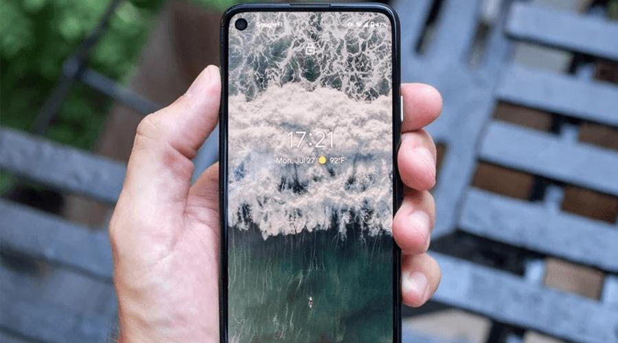 google-pixel-4a-black-screen-in-hand